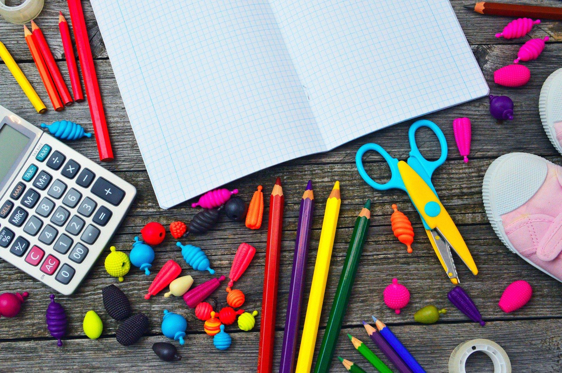 Quelques astuces pour payer moins cher ses fournitures scolaires